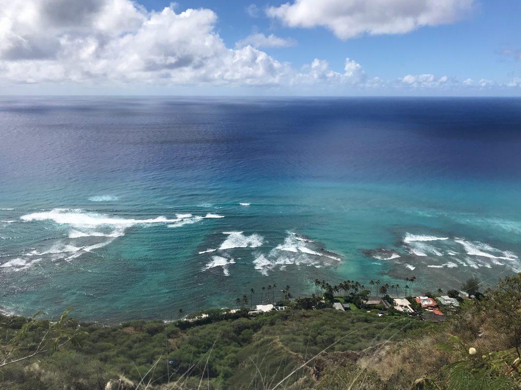 ダイヤモンドヘッド ハイキング ハワイ 頂上